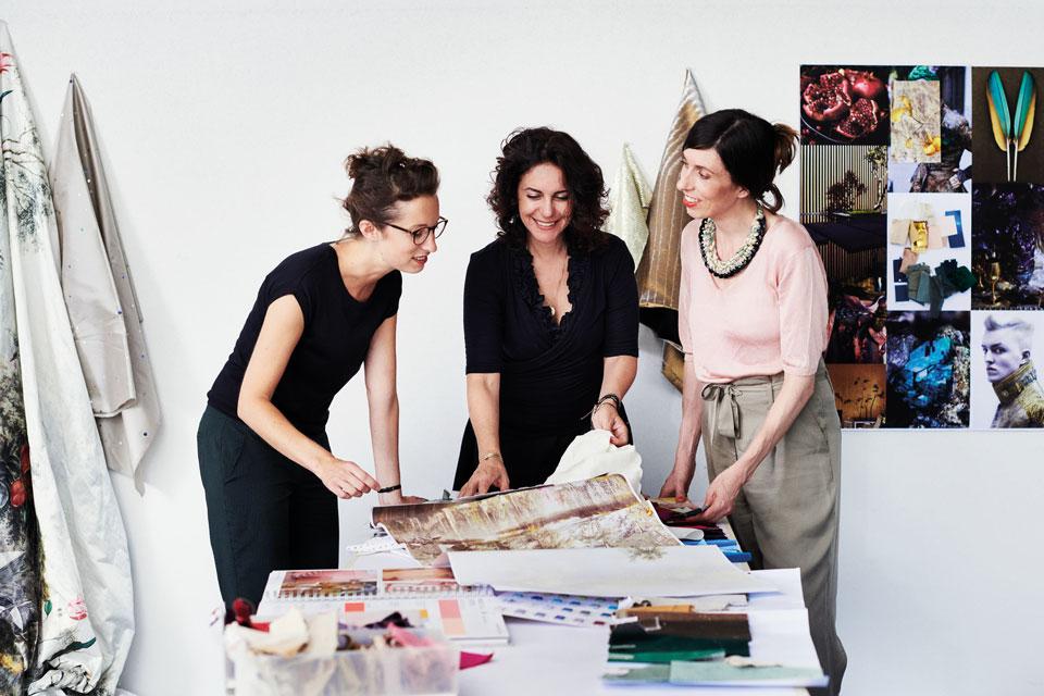 Camilla Fischbacher mit ihrem Design-Team